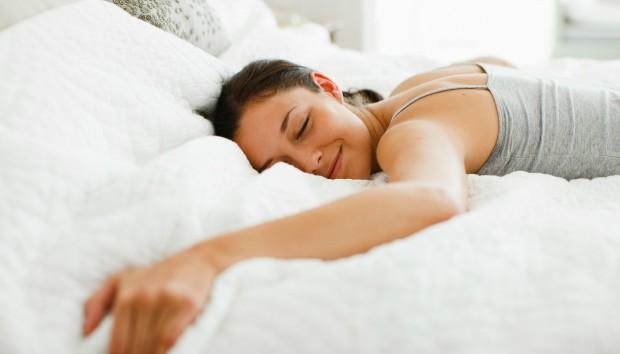Kι όμως, Αυτό το Απίστευτο Κόλπο πριν Πέσετε για Ύπνο θα σας Βοηθήσει να Χάσετε Κιλά
