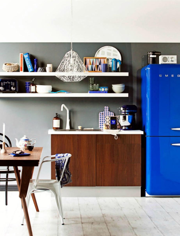 Αν ο χώρος πάνω, κάτω, δεξιά και αριστερά από το ψυγείο είναι τακτοποιημένος, τότε όλη η κουζίνα θα δείχνει πολύ πιο όμορφη.