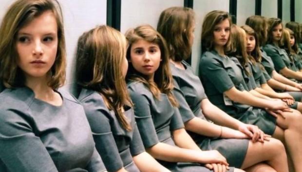 Πόσα Κορίτσια Είναι σε Αυτή τη Φωτογραφία;