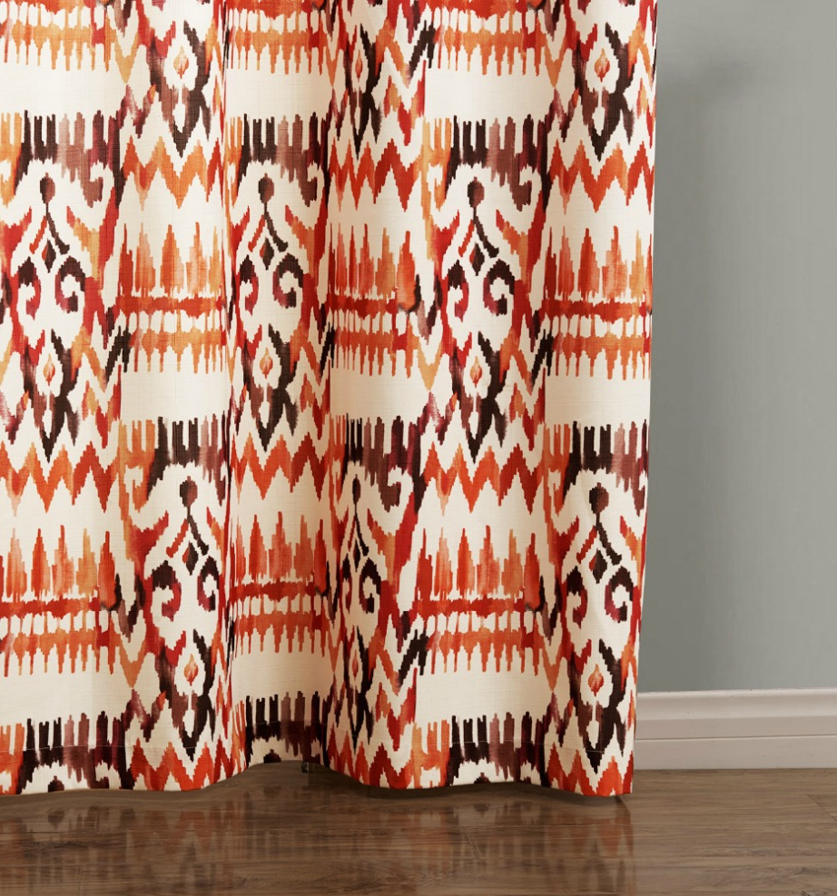 Όσο πιο πολύ πλησιάζουμε προς το καλοκαίρι τόσο πιο τεριαστές είναι οι boho κουρτίνες για το σαλόνι ή το υπνοδωμάτιο. Δίνουν χρώμα και ζωντάνια στον χώρο και ανεβάζουν τη διάθεσή μας.