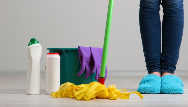 Φάκελος Σφουγγάρισμα: Μάθετε Πως θα Καθαρίσετε Σωστά τα Πατώματά σας