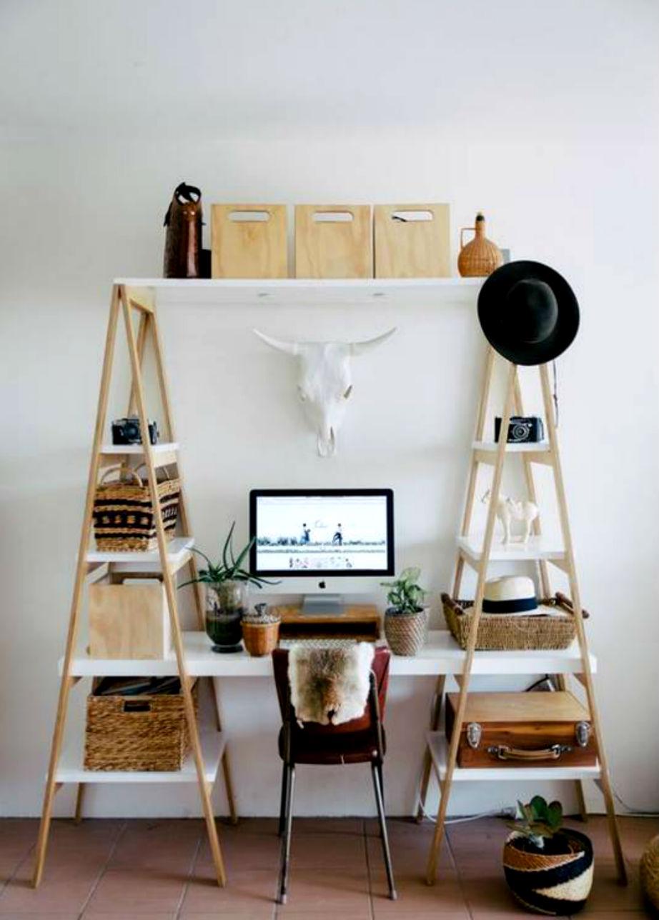 Μετατρέψτε μια σκάλα σε βιβλιοθήκη και γραφείο!