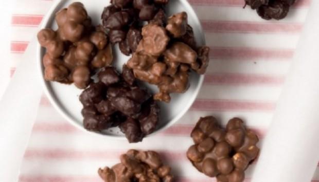 Οι πιο Εύκολες Μπουκίτσες Σοκολάτας για τις Ώρες της Λιγούρας!