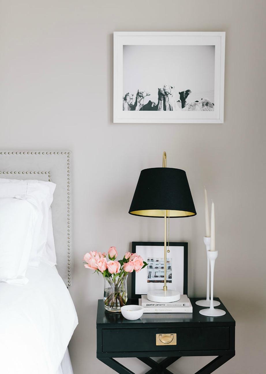 Χρησιμοποιήστε κεριά για να διακοσμήσετε το σπίτι σας και να του προσθέσετε μια όμορφη διακριτική μυρωδιά.