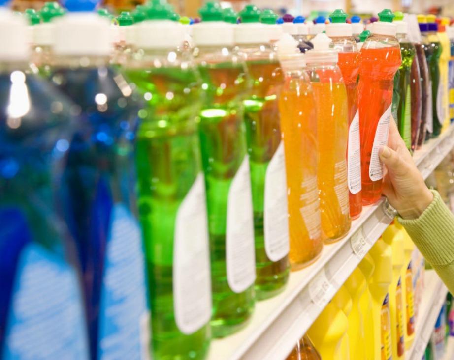 Μειώστε την αγορά απορρυπαντικών φτιάχνοντας μερικά δικά σας φυσικά απορρυπαντικά.