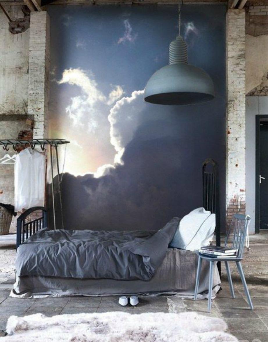 Αυτή η ταπετσαρία απεικονίζει έναν συννεφιασμένο ουρανό από τον οποίο ξεπροβάλλουν λίγες ακτίνες ήλιου. Το εντυπωσιακό με αυτήν την ταπετσαρία είναι πως δείχνει τρομερά αληθοφανής.