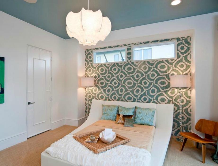 Οι μπλε αποχρώσεις ταιριάζουν σε υπνοδωμάτια και συνδυάζονται πολύ με γκρι διακόσμηση που είναι πολύ της μόδας αυτή τη σεζόν.