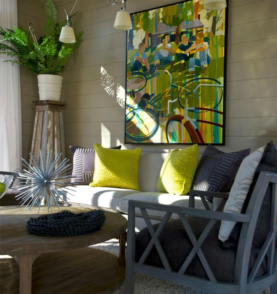 Ο έξτρα φωτισμός πάνω από έναν πίνακα θα δώσει ζεστασιά στον χώρο και θα αναδείξει τη διακόσμησή σας καλύτερα.