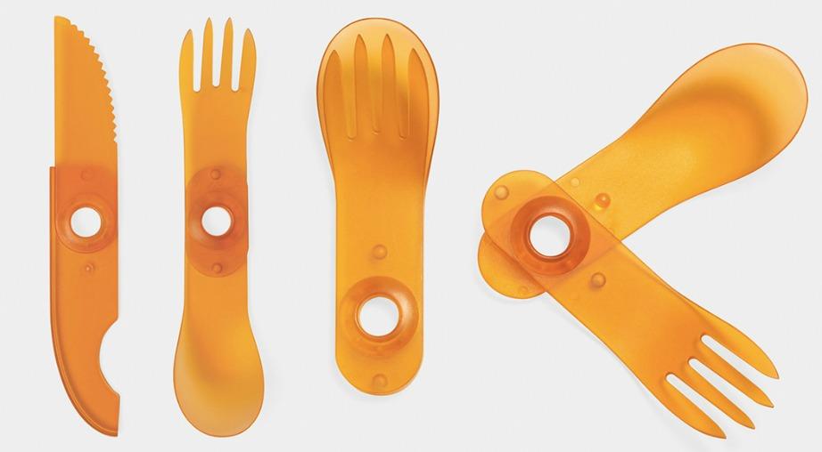 Πρέπει να συνειδητοποιήσετε ότι έχετε μεγαλώσει πλέον και τα πλαστικά μαχαιροπίρουνα θα έπρεπε να λείπουν από το σπίτι σας.