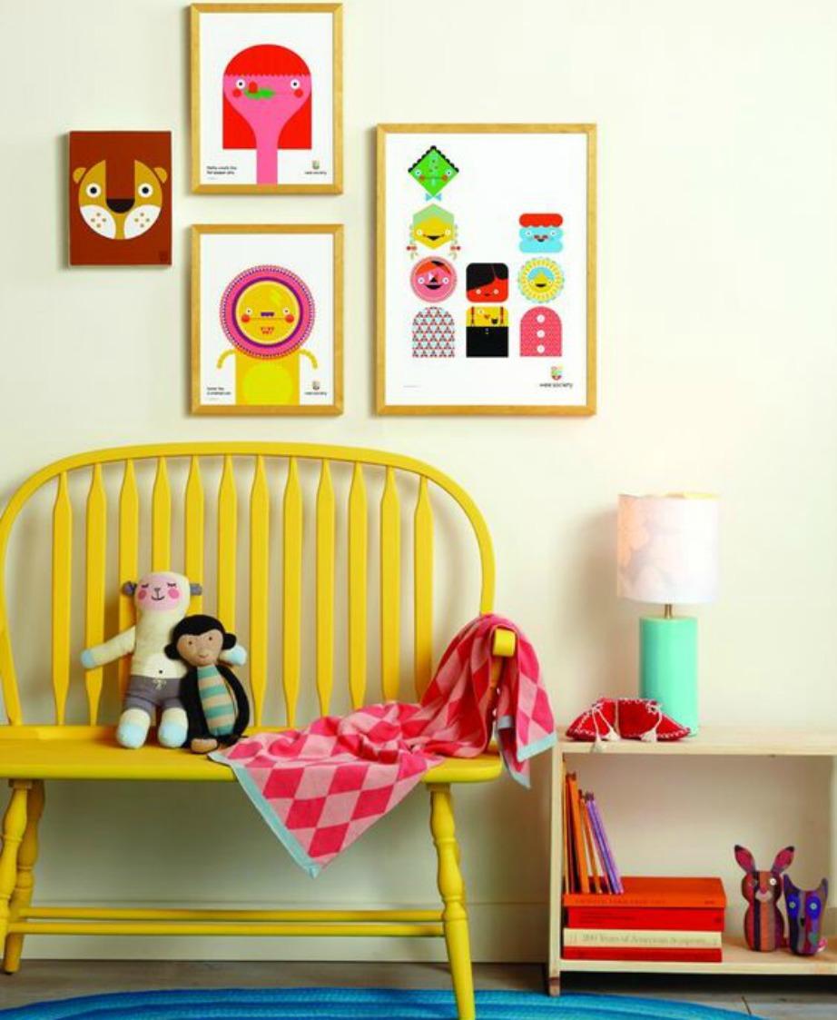 Μερικά πολύχρωμα καδράκια προσθέτουν χρώμα στη διακόσμηση του σπιτιού εύκολα και γρήγορα.