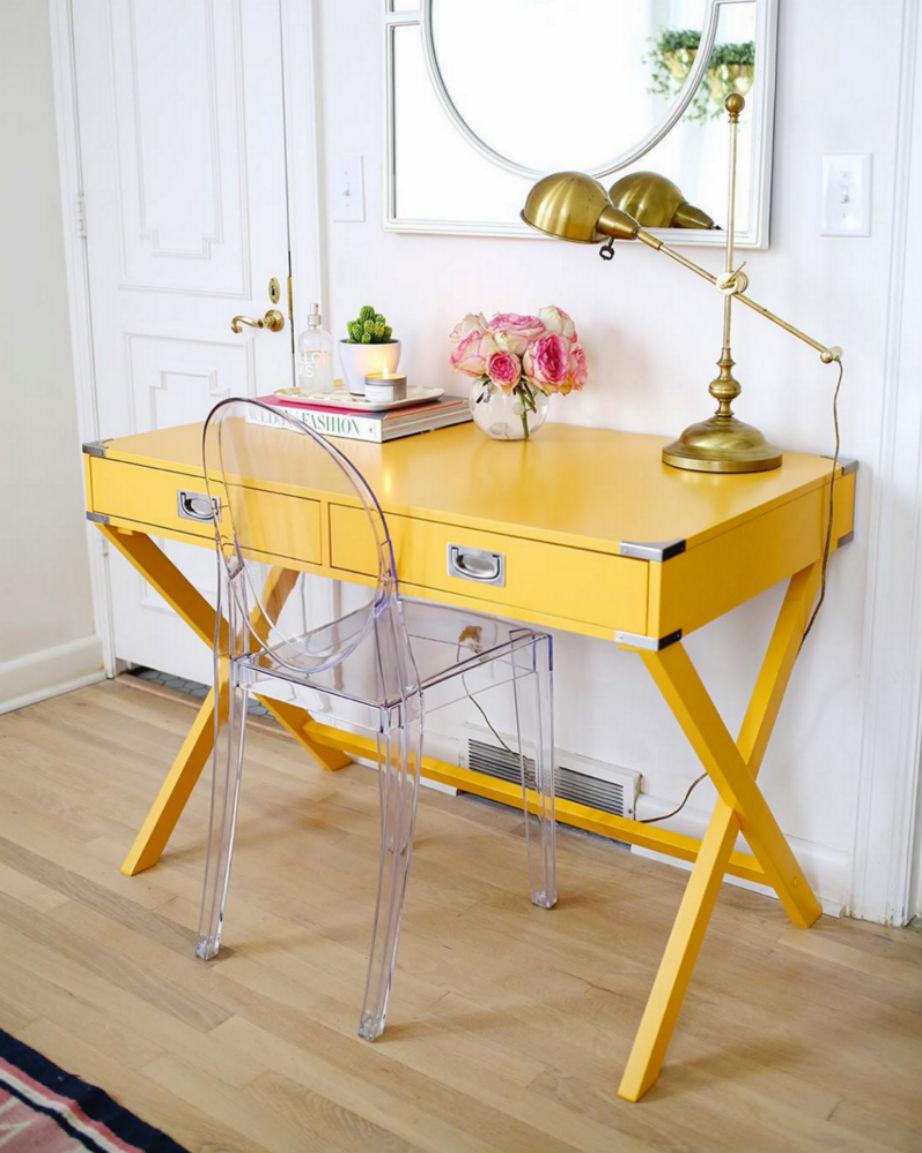 Το κίτρινο θα σας γεμίσει ενέργεια τις ώρες που δουλεύετε.