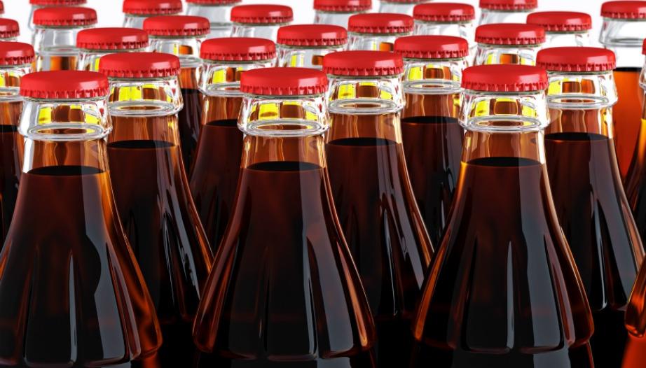 Τα αναψυκτικά έχουν πολύ πιο ωραία γεύση όταν τα πίνουμε από γυάλινα μπουκάλια.