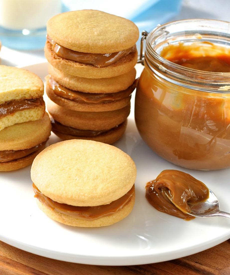 Προσθέστε ανάμεσα σε 2 cookies φυστικοβούτυρο για μεγαλύτερη νοστιμιά.