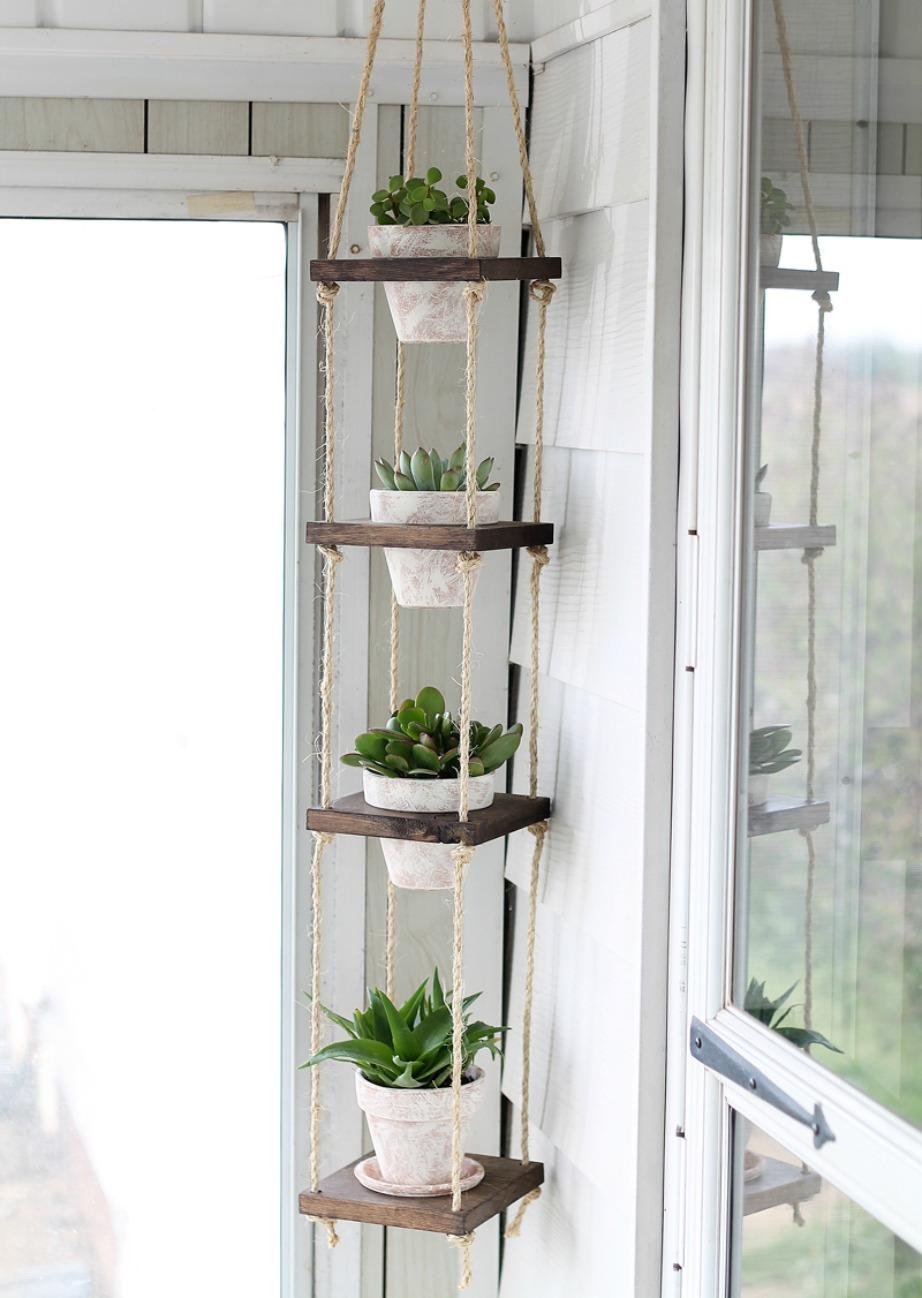Βάλτε την κατασκευή σε μια γωνία του σπιτιού σας.