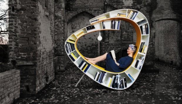 Η πιο Ιδιαίτερη Καρέκλα-Βιβλιοθήκη που Έχετε Δει