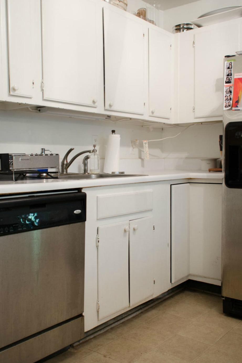Κάπως έτσι ήταν η κουζίνα πριν τη μίνι ανακαίνιση.