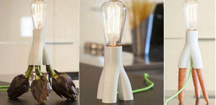 Αυτό το φωτιστικό αποκτάει διαφορετικά πόδια ανάλογα με την όρεξή σας.