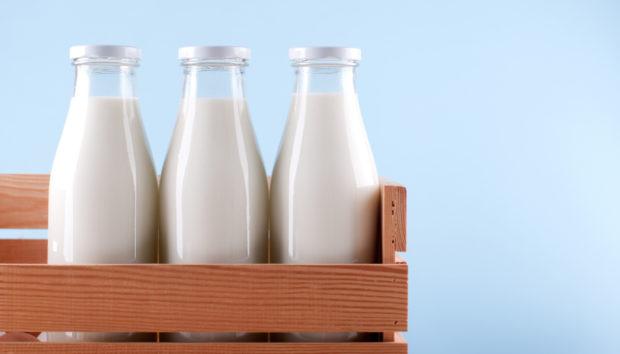 Ληγμένο Γάλα; Καθαρίστε με Αυτό το Σπίτι σας!