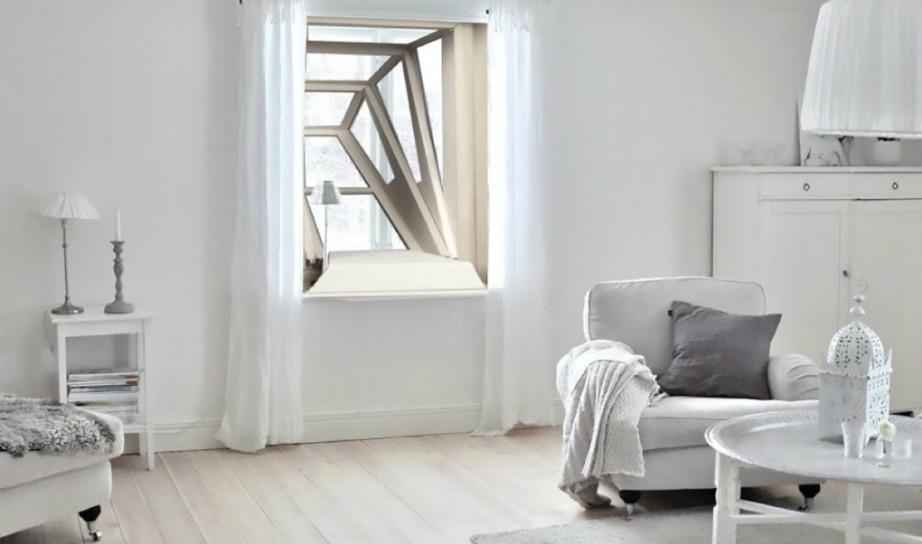 Δείτε πόσο όμορφο φαίνεται το παράθυρο από το εσωτερικό του σπιτιού.