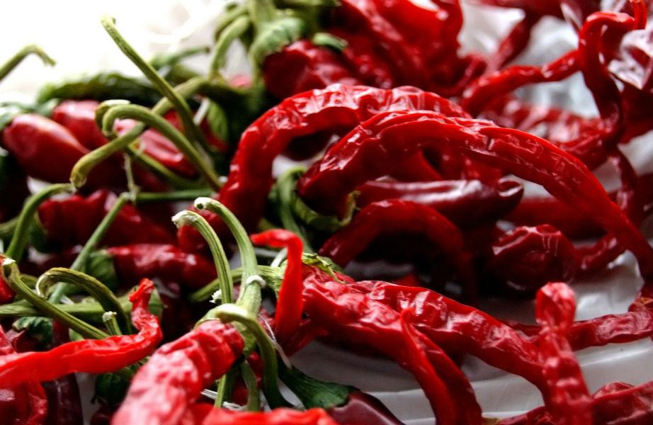Οι καυτερές πιπεριές τσίλι σμιλεύουν τους γλουτούς σας!
