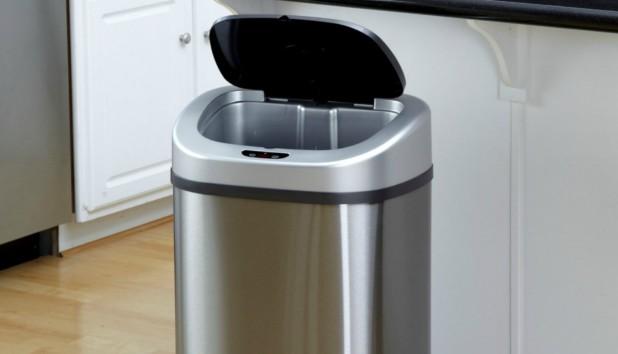 2 Απλά και Έξυπνα Tips για «Μυρωδάτα» Σκουπίδια!