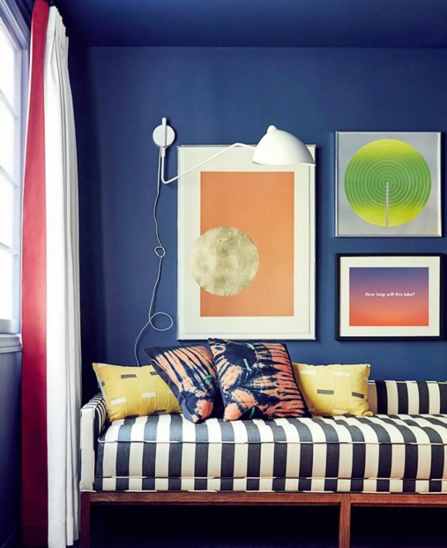 Αποδεχτείτε ότι έχετε ένα μικρό σπίτι και διακοσμήστε το όσο καλύτερα μπορείτε αναδεικνύοντας τα δυνατά του χαρακτηριστικά.