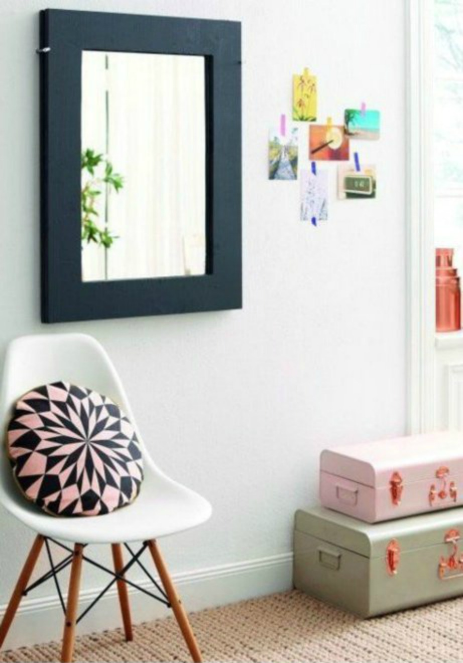 Αυτό το έπιπλο είναι ιδανικό για σαλόνια με μικρούς χώρους.