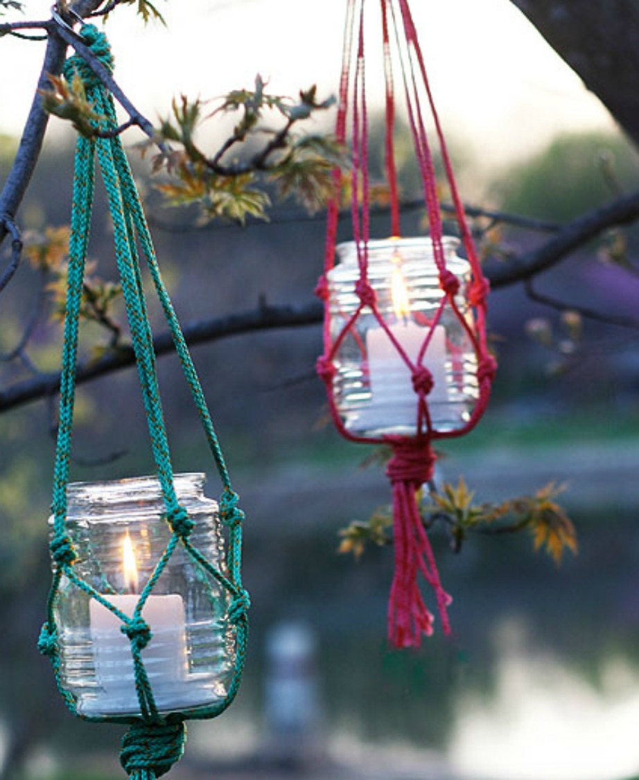 Δείτε τι όμορφα κεριά μπορείτε να φτιάξετε για το μπαλκόνι σας με μερικά βαζάκια και χοντρό σχοινί.