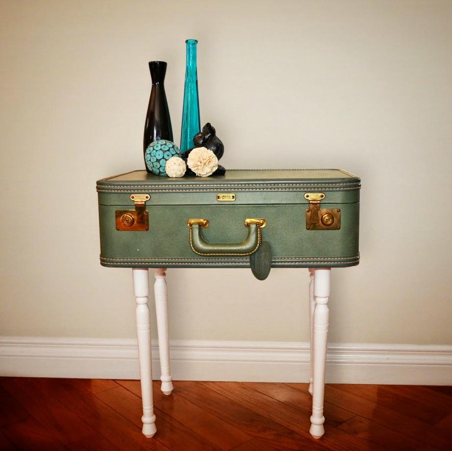 Μπορείτε να βρείτε πολλά και διαφορετικά χρώματα βαλίτσας έτσι ώστε να ταιριάξουν με το χώρο σας.