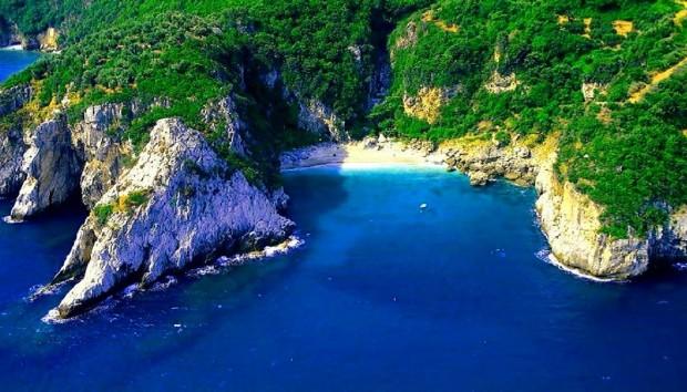 2 Ελληνικές Παραλίες Ανάμεσα στις 50 Καλύτερες του Κόσμου