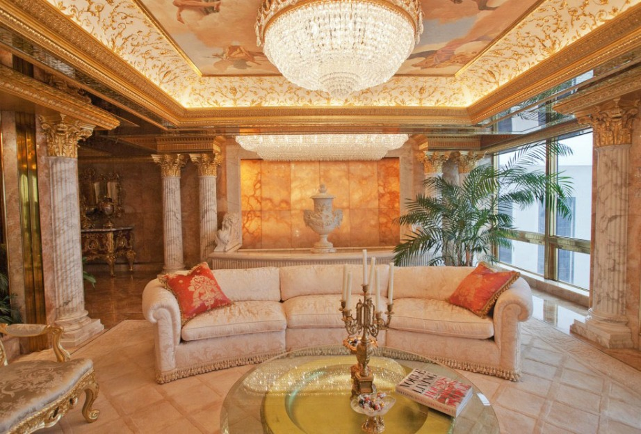Το εντυπωσιακό και πανάκριβο σαλόνι του γνωστού επιχειρηματία βρίσκεται στην κορυφή του Trump Tower.