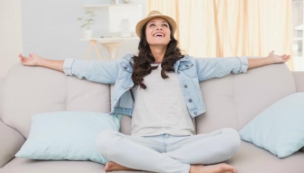 Πρωτότυπα Κόλπα για να Δροσιστείτε Μέσα στο Σπίτι Χωρίς Κλιματιστικό