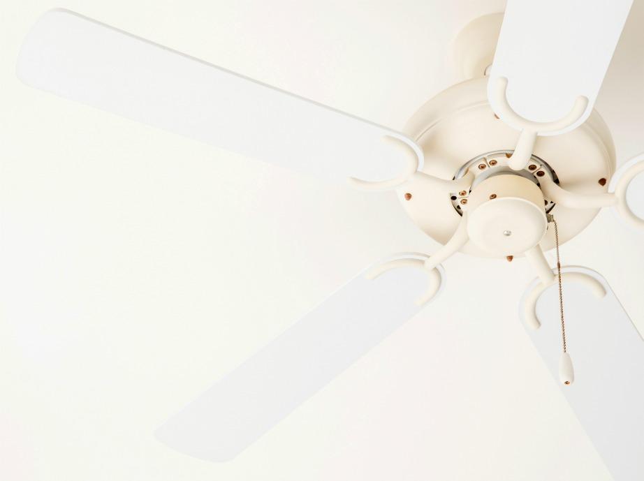 Για περισσότερη δροσιά οι ανεμιστήρες οροφής πρέπει να λειτουργούν αριστερόστροφα.