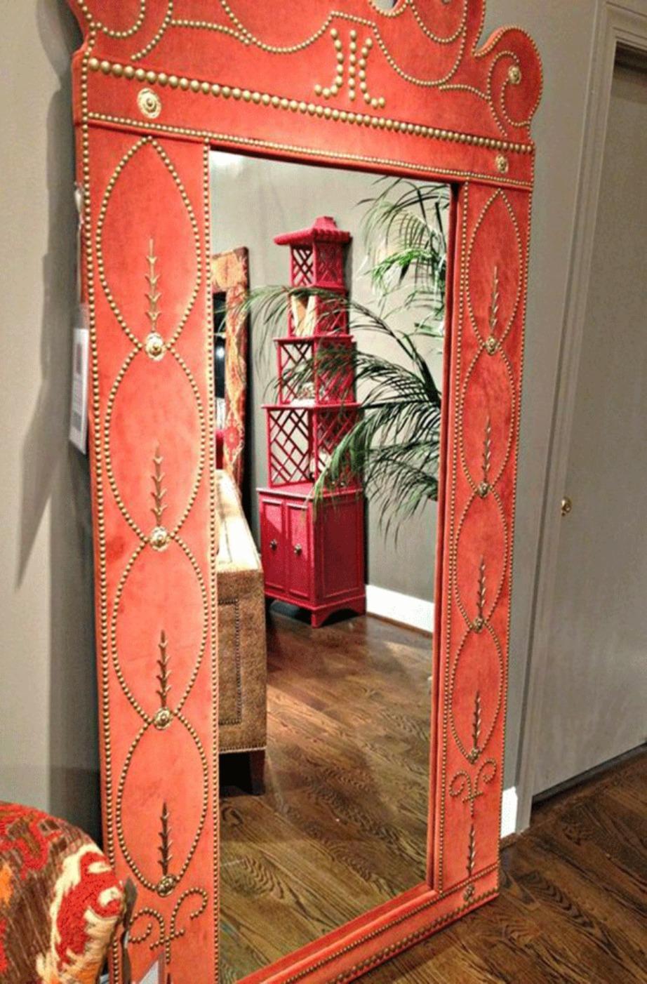 Δώστε μεγαλύτερο βάθος χρησιμοποιώντας καθρέφτες και περισσότερη ένταση βάση χρώματος.