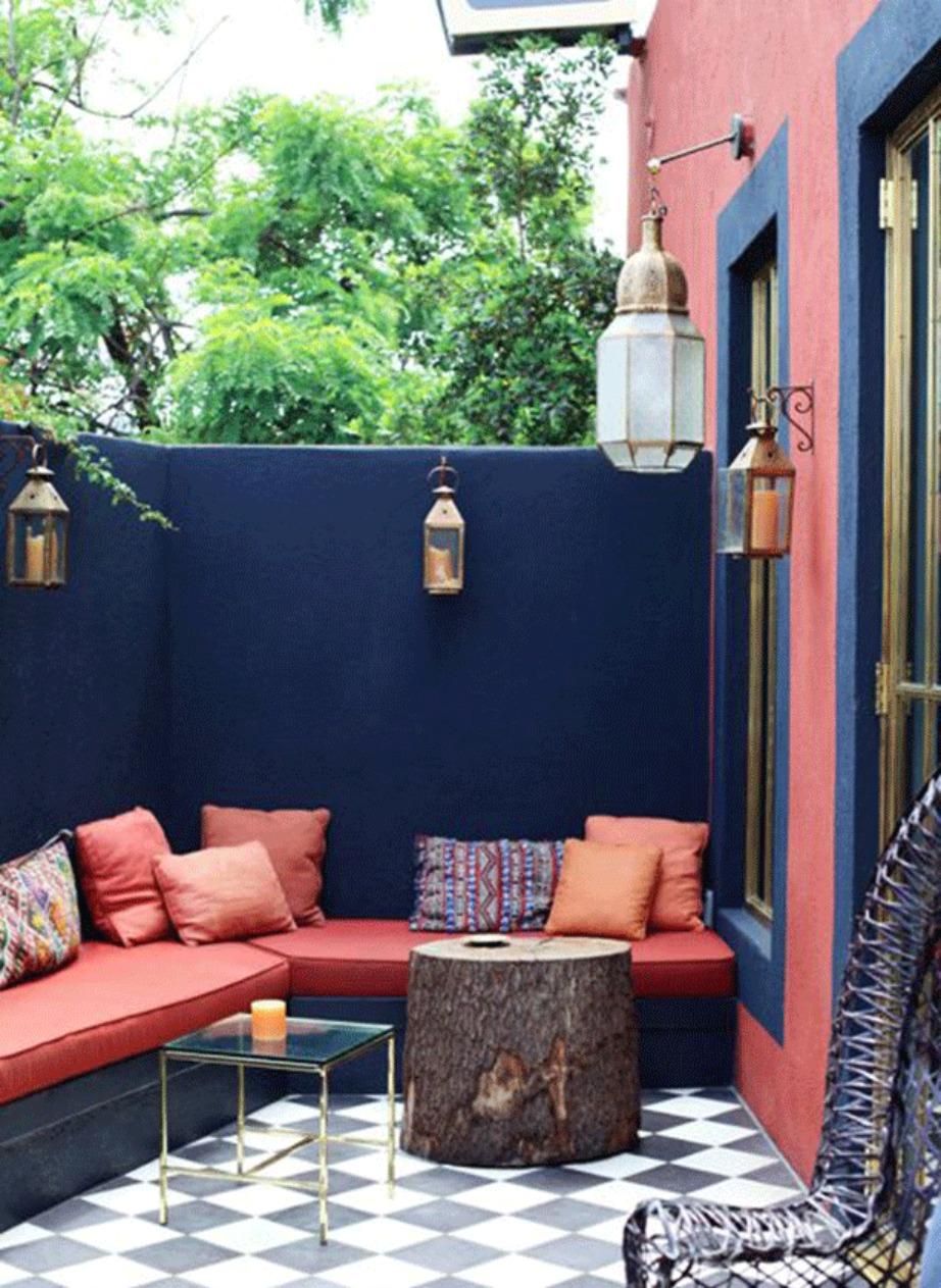 Ειδικότερα για τους εξωτερικούς χώρους χρησιμοποιήστε υλικά που θα βρείτε στη φύση όπως κορμούς δέντρων και βότσαλα.