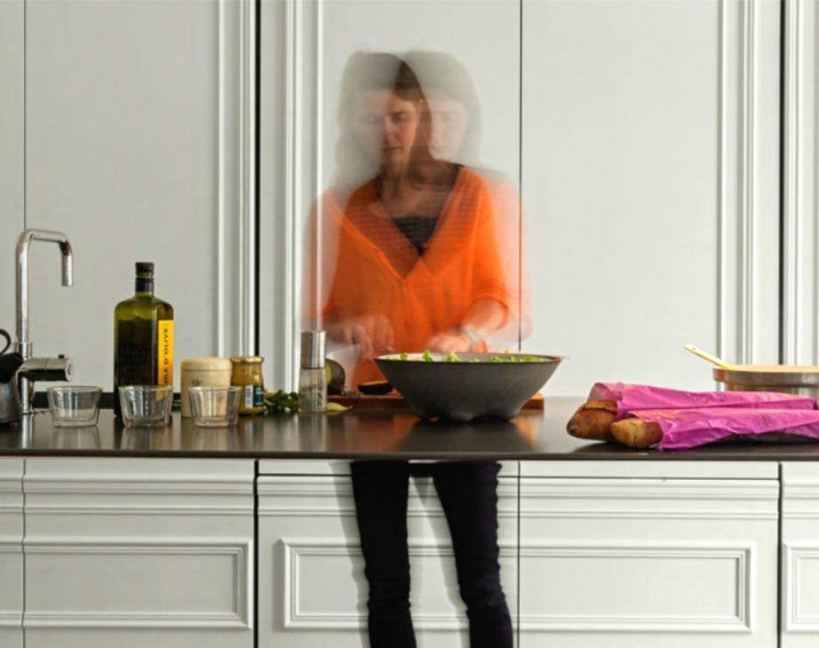 Μπορείτε άνετα να μαγειρεύετε και να κάθεστε στον πάγκο παρά το πολύ μικρό του πάχος.