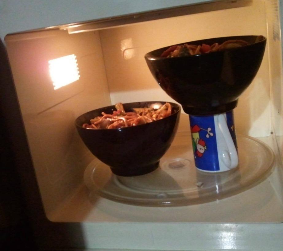 Το πιο απλό και λειτουργικό τρικ για τον φούρνο μικροκυμάτων σας!