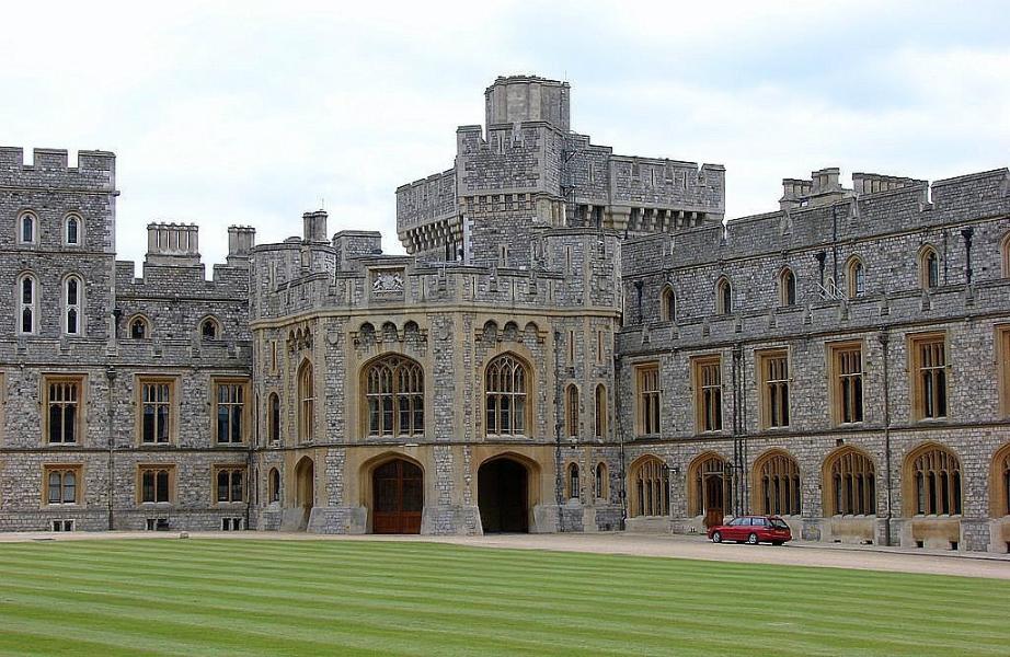 To κάστρο Winsdor είναι το μεγαλύτερο κατοικημένο κάστρο στον κόσμο.