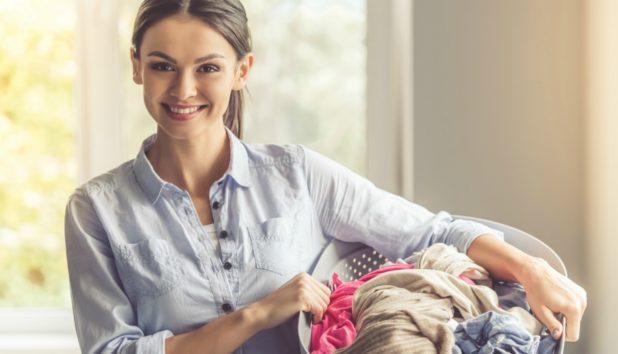 Ρούχα που Ξέβαψαν στο Πλυντήριο: Δείτε πώς θα τα Σώσετε!
