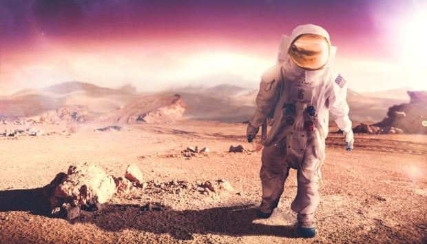 Τα 15 πιο Περίεργα Πράγματα που Έχουμε Στείλει στο Διάστημα