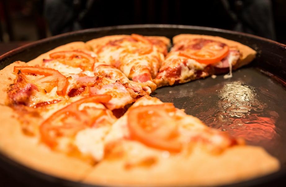 Η Pizza Hut είναι η πρώτη εταιρία που έστειλε πίτσα στο διάστημα.