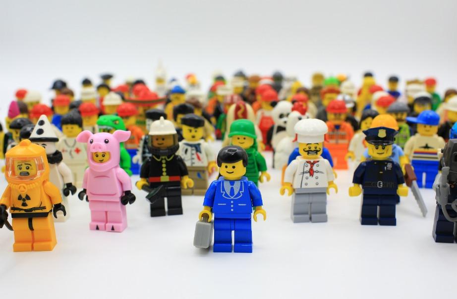 Μερικές από τις πιο γνωστές φιγούρες lego στάλθηκαν στο διάστημα.