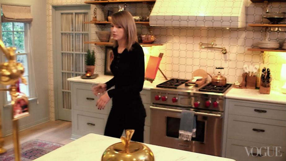 Λατρεύουμε αυτή την versatile ταπετσαρία στην κουζίνα.