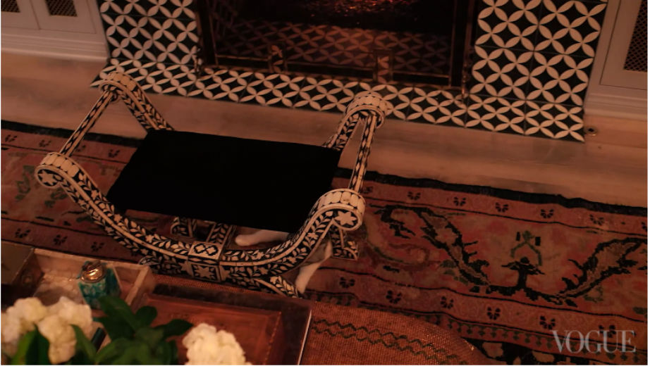 Το τρομερό σκαμπό-αντίκα είναι από τα αγαπημένα μας αντικείμενα στο σπίτι!