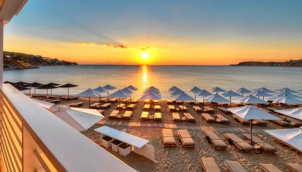 Δείτε σε ποιές Παραλίες Μπορείτε να Κολυμπήσετε Άφοβα στην Αττική!