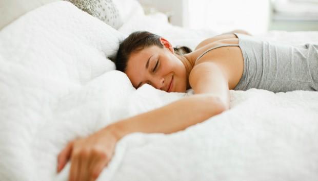 Για ποιο Λόγο Πρέπει να Σταματήσετε να Κοιμάστε στην Δεξιά Πλευρά σας
