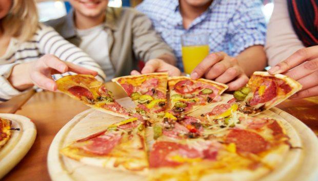 Μάθετε να Τρώτε το Φαγητό σας Σύμφωνα με τη Νέα Μόδα!