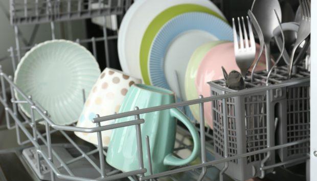 Μην Βάλετε ΠΟΤΕ στο Πλυντήριο Πιάτων ΑΥΤΑ!
