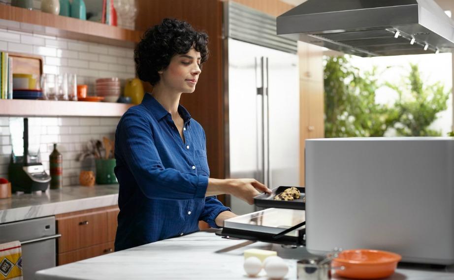 Με το που τοποθετείται το φαγητό στον φούρνο, αυτός αναγνωρίζει πώς πρέπει να ψηθεί.