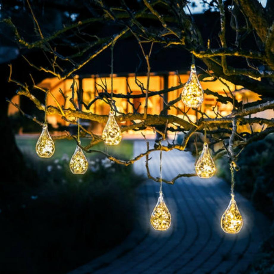 Με τις led λάμπες που λειτουργούν με μπαταρία μπορείτε να προσθέσετε εύκολα και οικονομικά φως στη βεράντα σας.
